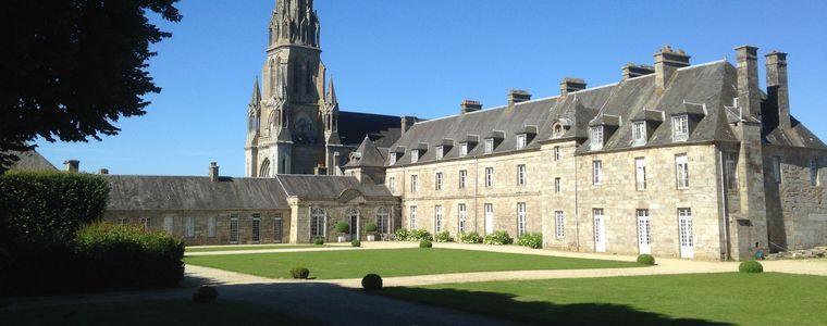 Château de Quintin XVIIIème et Basilique Notre-Dame de Délivrance